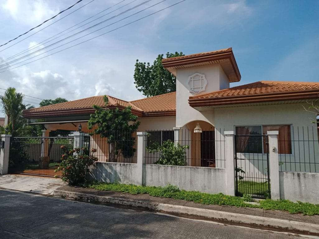 Manville Royal Bacolod RFO 4 bedroom