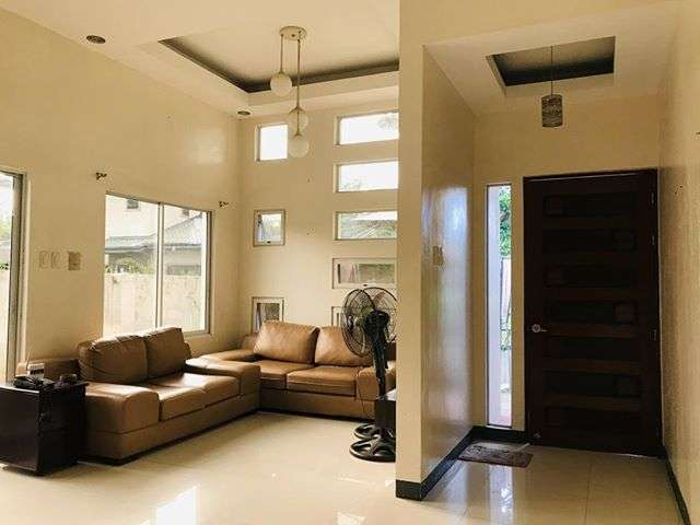 159 sqm Lot 3 bedroom House For Sale in Manville Royal Subdivision (13)